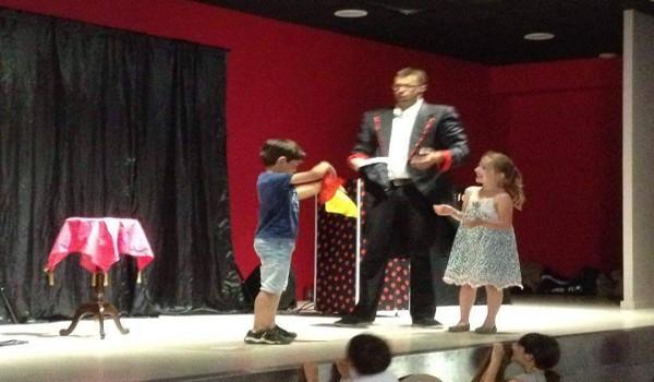 spectacle enfants avec magic pedro yzeron2g